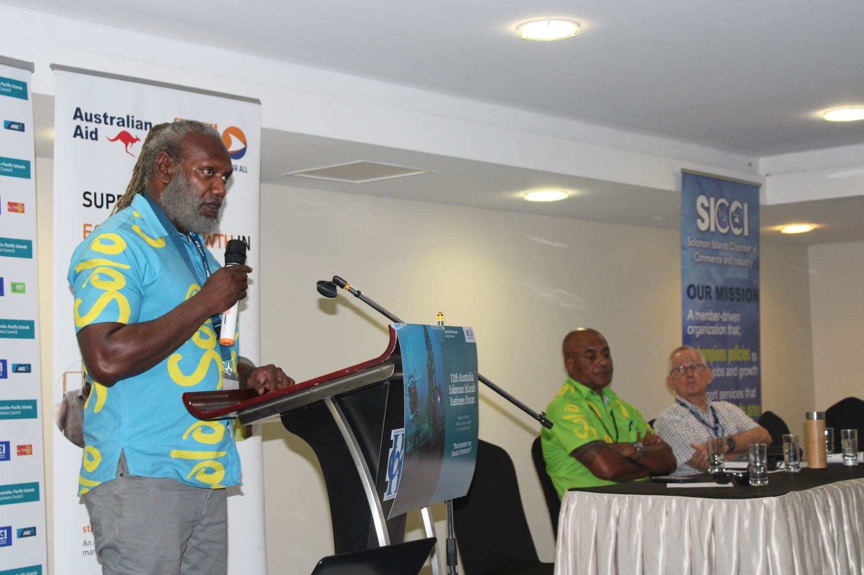 Ministry of Culture and Tourism Permanent Secretary Andrew Nihopara speaking at the Australia Solomon Islands Business Forum session hosted by Strongim Bisnis, 11 September 2019